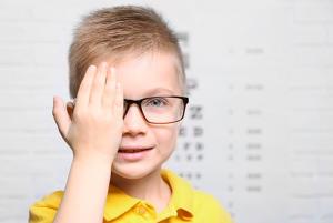 ambliopía u ojo vago tratamiento clinica barcelona
