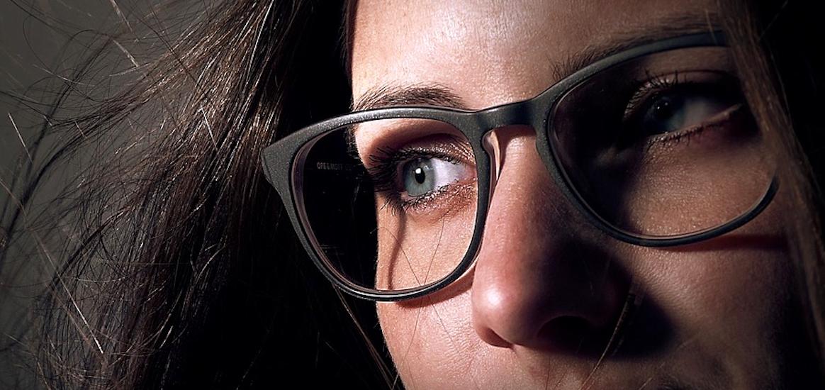 Olvidarte de las gafas con la cirugía refractiva láser en Barcelona