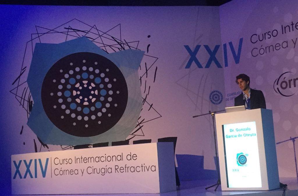 El Dr. Gonzalo García de Oteyza en el XXIV Curso Internacional de Córnea y Cirugía Refractiva